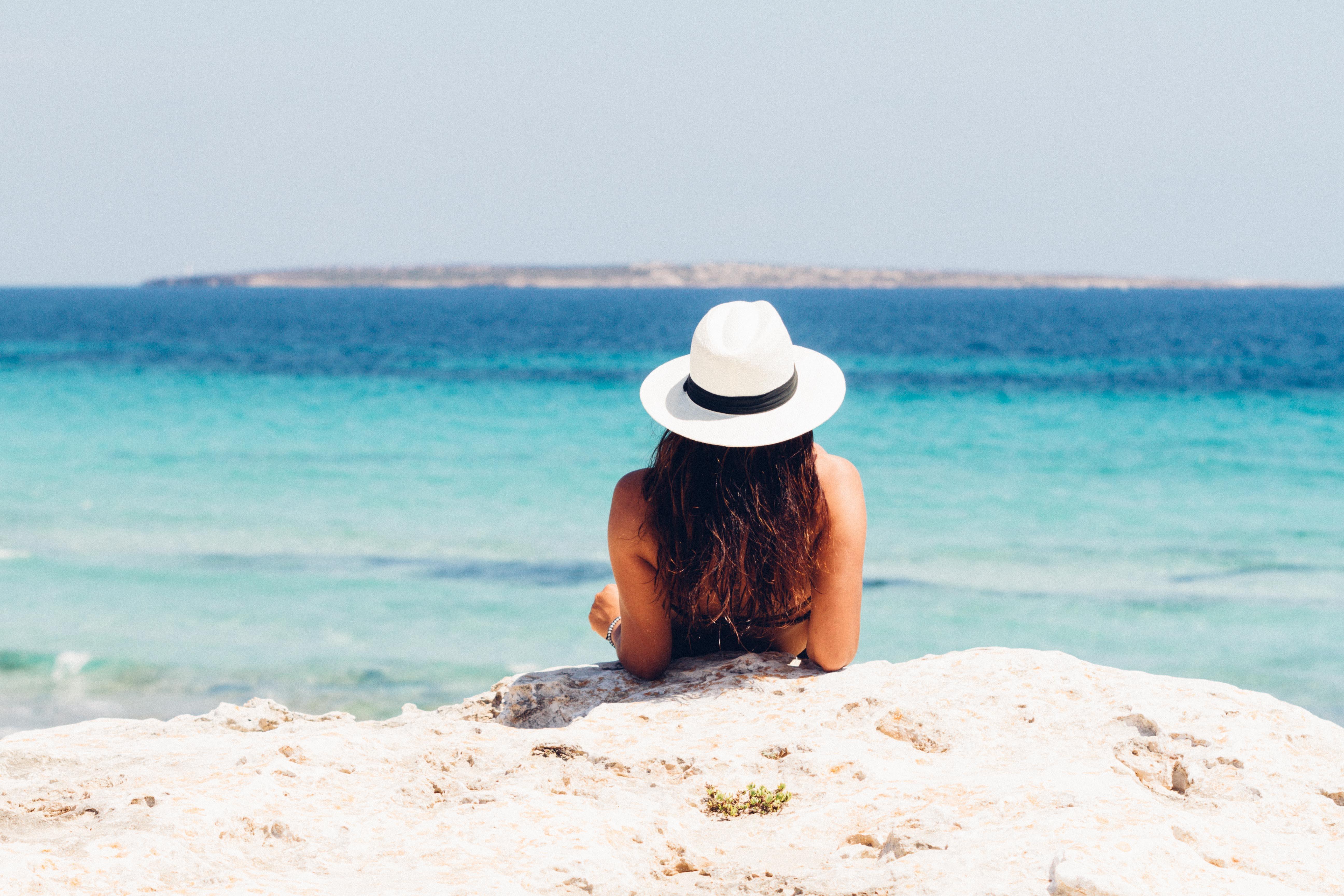 beach-blue-bronzing-871060